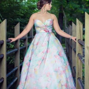 Sherri Hill Floral Strapless Ball gown size 8